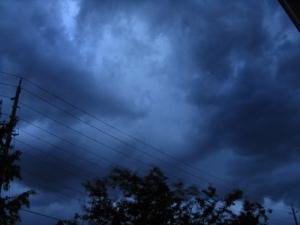 Storm brewing over our neighborhood (June 14, 2005)